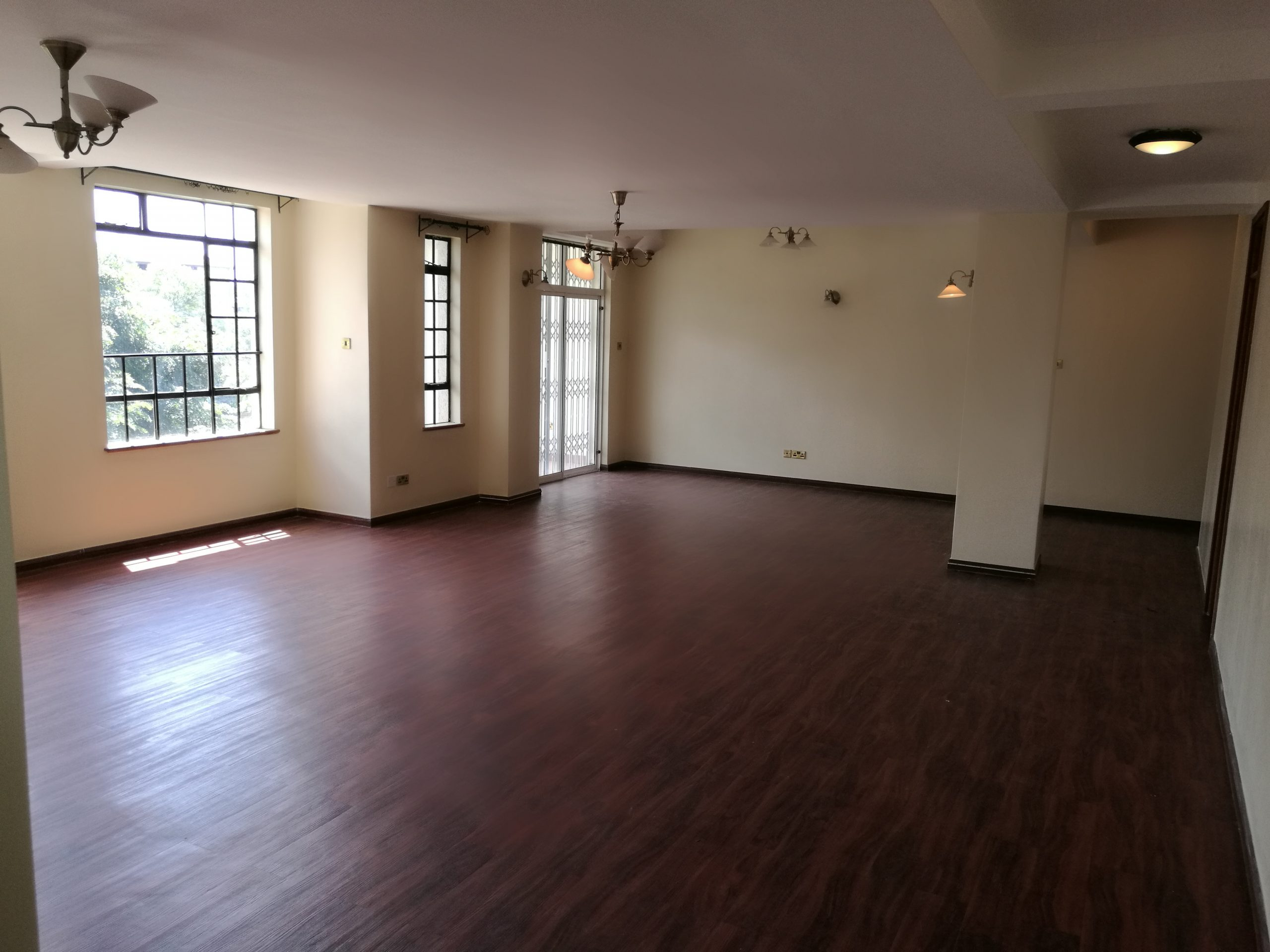 4 BEDROOM DUPLEX PENTHOUSE WITH DSQ